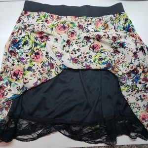 Xhilaration Skirts - Xhilaration Womens Floral Print Skirt Size Large
